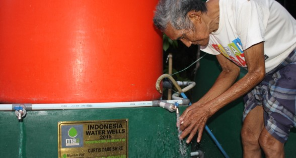 Easy Access to Clean Water for the Elderly
